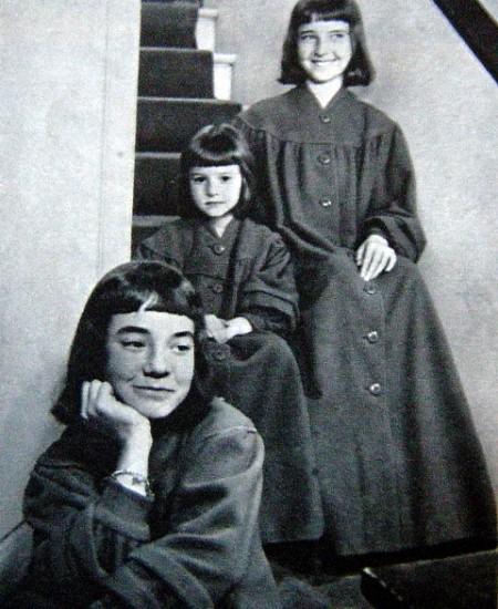 3 filles.jpg
