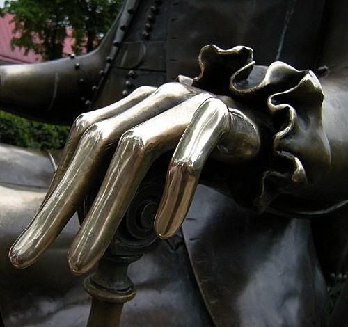main Pierre le Grand.jpg