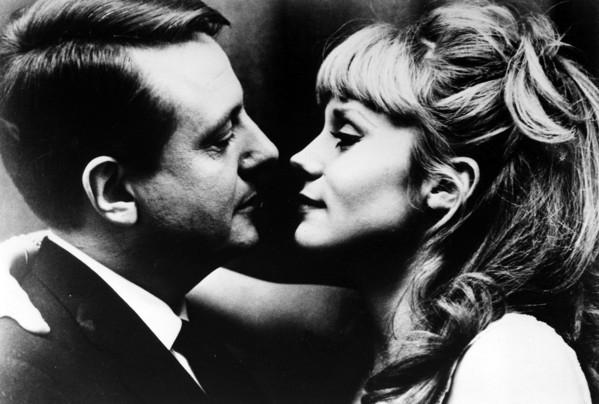 la-peau-douce-(1964).jpg