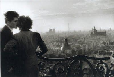 Les_amoureux_de_la_Bastille,_Paris,_1957.jpg