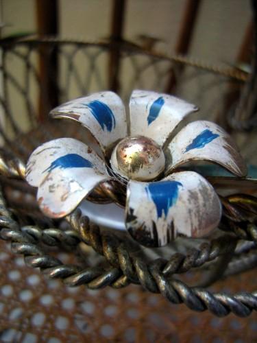 fleur métal.jpg