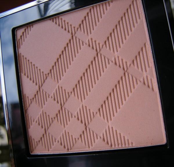 Burberry tartan poudre bronzante.jpg